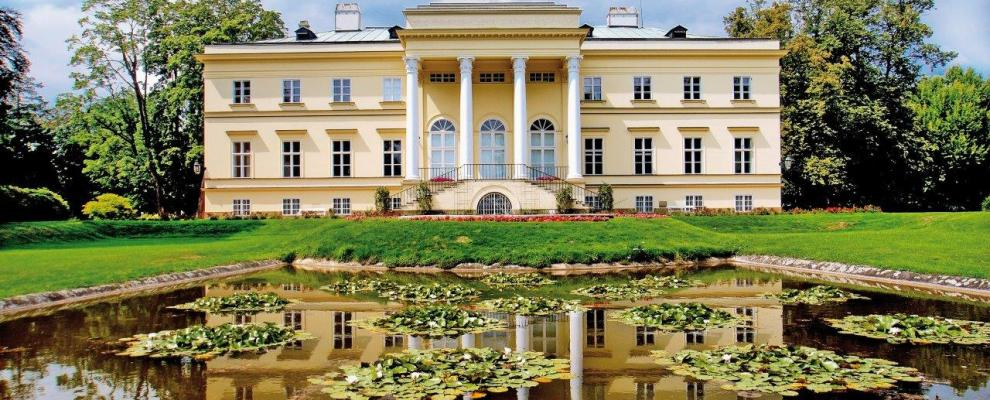 New chateau in Kostelec nad Orlicí, link opens in a new window